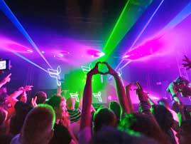 Съемка в ночном клубе